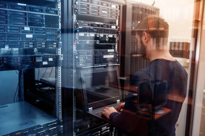 Data Center Decommissioning: 8 Steps for a Successful Decommission